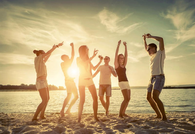 giovani-spiaggia